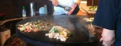 Hot Iron Mongolian Grill is one of Lugares favoritos de Jessica.