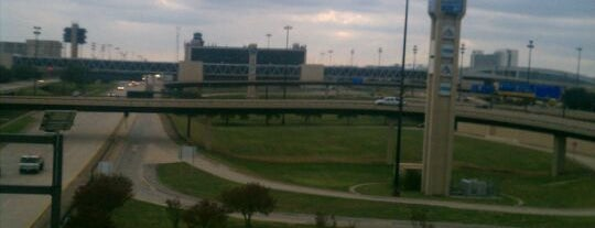 Flughafen Dallas Fort Worth (DFW) is one of Airports around the World.