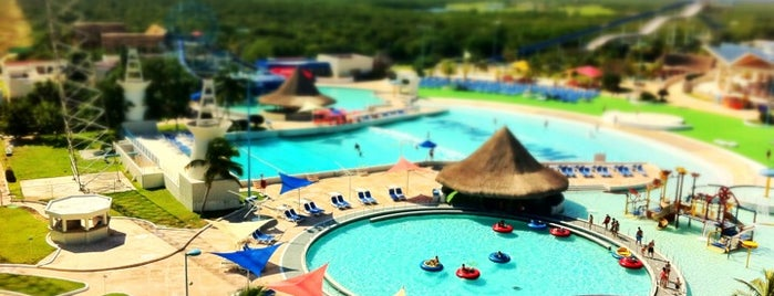 Wet 'n Wild is one of Mexico // Cancun.