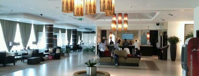 Holiday Inn Express is one of Locais curtidos por Sana.