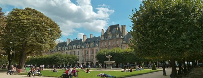 Place des Vosges is one of Paris.