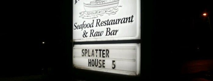 Tanners Creek Seafood Restaurant is one of Norfolk.