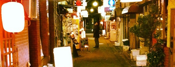 Shinjuku Golden-gai is one of Japan Musts.