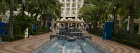 RIU Palace Pacifico Hotel is one of Locais curtidos por Hilda.