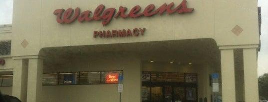 Walgreens is one of สถานที่ที่ NupeKidd ถูกใจ.