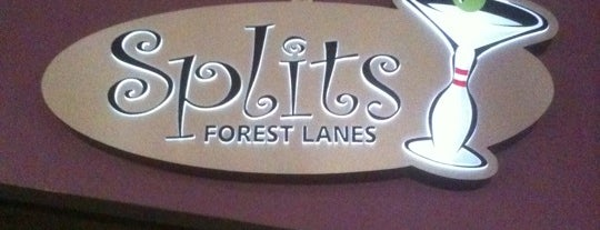 Lake Forest Lanes is one of Stephanie 님이 좋아한 장소.