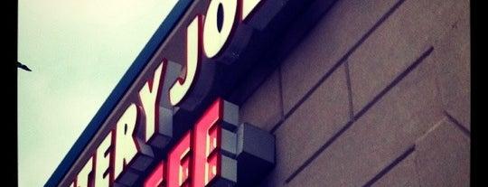 Jittery Joe's is one of Locais curtidos por Caitlin.