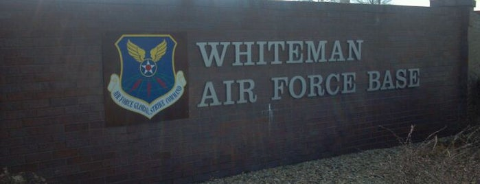 Whiteman Air Force Base is one of Reverendさんのお気に入りスポット.