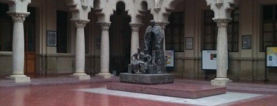 Colegio Hispano-Americano is one of Locais curtidos por Gema.