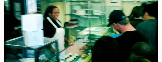 Magnolia Bakery is one of Great food in New York City.