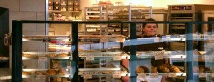Specialty's Café & Bakery is one of Lieux qui ont plu à Yasemin.