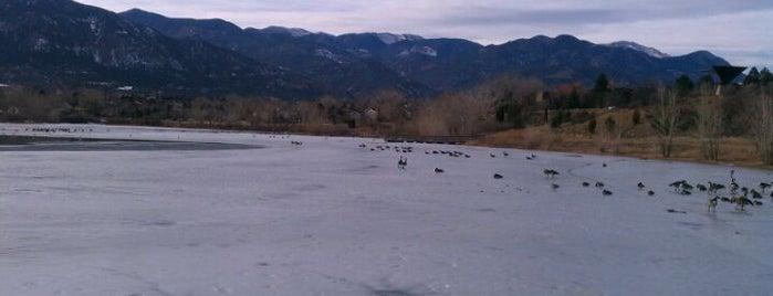 Quail Lake Park is one of Orte, die Breck gefallen.