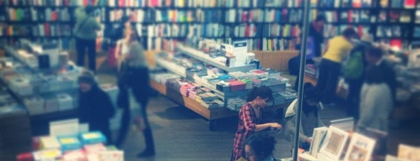 Tate Modern is one of Best London places to buy photo books & mags.