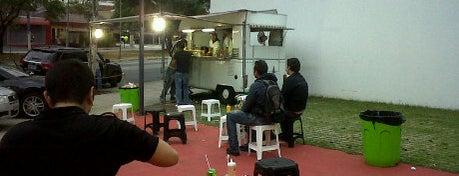 Hot-Dog do Betão is one of Restaurantes, Bares e Coffee Shops favoritos.