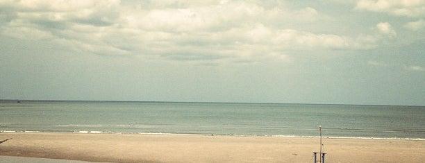 Pranburi Beach is one of Pravit'in Beğendiği Mekanlar.