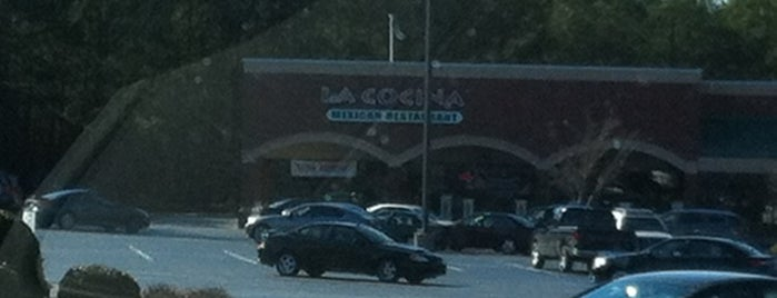La Cocina Mexican Restaurant is one of Locais curtidos por Cross.