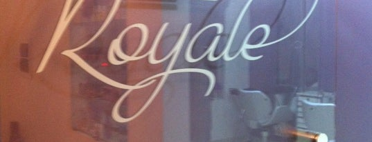 Royale is one of Tempat yang Disukai Carolina.