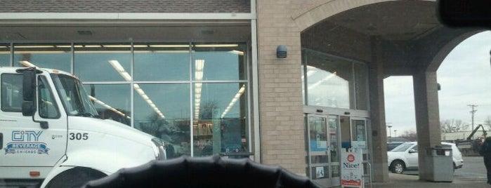 Walgreens is one of Orte, die Dan gefallen.