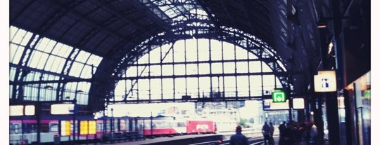 Stazione Amsterdam Centrale is one of Amsterdam ADventure.