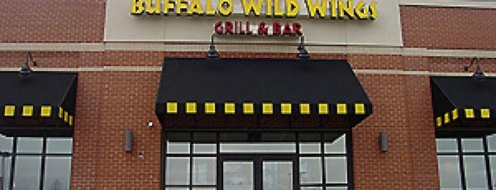 Buffalo Wild Wings is one of Tempat yang Disukai Lorraine-Lori.