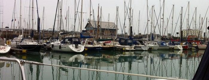 Dover Marina is one of Lugares favoritos de MURAT.