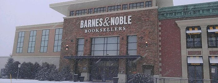 Barnes & Noble is one of Catador 님이 좋아한 장소.