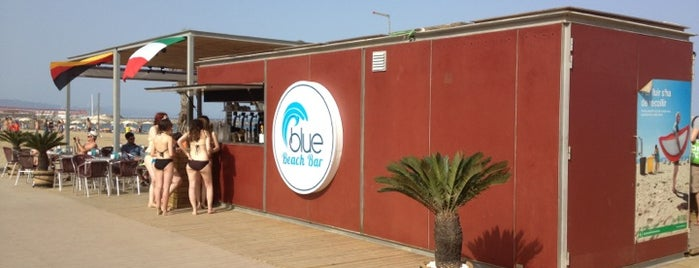 Blue Beach Bar is one of chiringuitos playa barcelona.