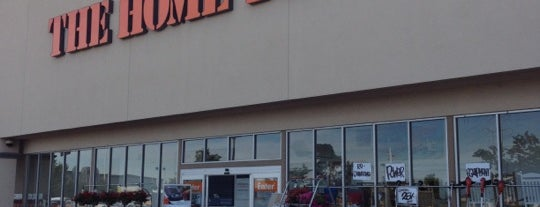 The Home Depot is one of Jr stilo.