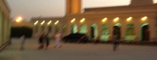 مسجد الفاروق is one of H m d 님이 저장한 장소.