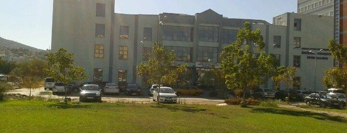 DEÜ İnciralti Spor Salonu is one of ;).