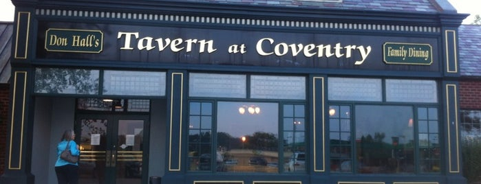Don Hall's Tavern At Coventry is one of Mikeさんのお気に入りスポット.