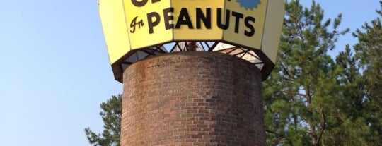 World's Largest Peanut is one of Joshua 님이 저장한 장소.