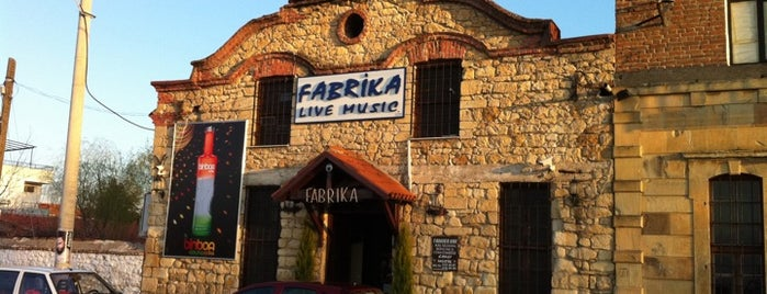 Fabrika Bar is one of Locais curtidos por Zep.