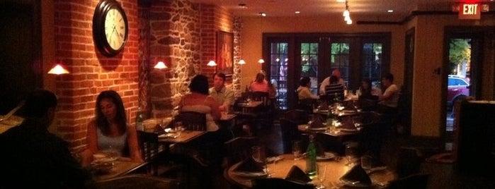 Cross Culture Indian Restaurant is one of Orte, die Bianca gefallen.