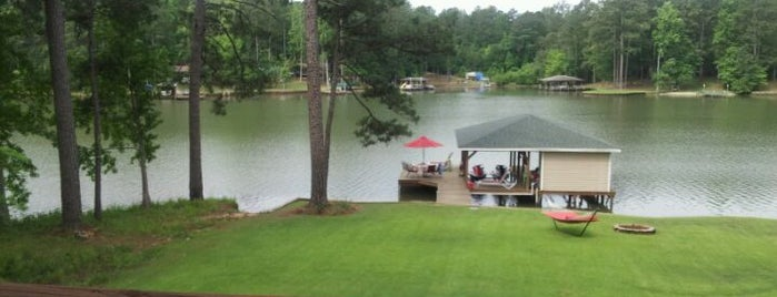 The Lakehouse is one of Favorite places to take my daughter.