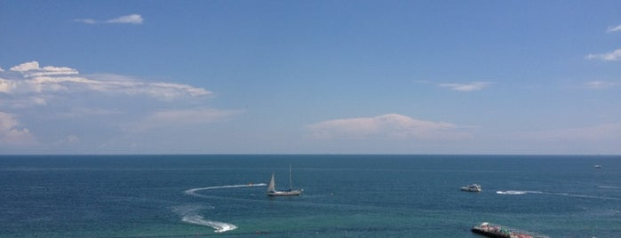 Portofino Hotel Beach Resort is one of Lugares guardados de Александр.