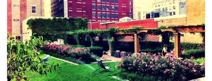 909 Roof Garden is one of KC.