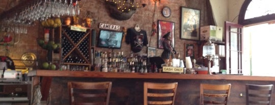 Tony Seville's Pirates Alley Cafe & Old Absinthe House is one of Locais curtidos por Kirti.