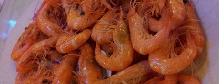 Jumbo Seafood Restaurant is one of Medan culinary spot.