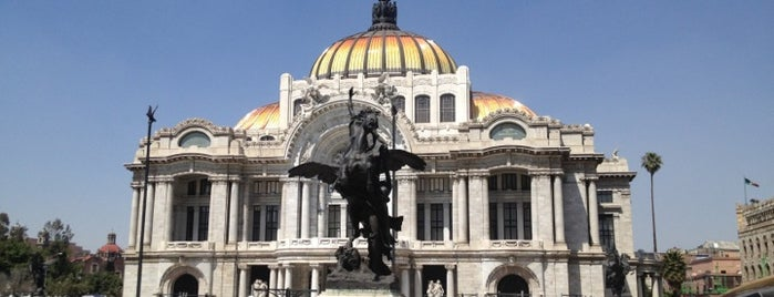 Palacio de Bellas Artes is one of Museos Obligatorios.