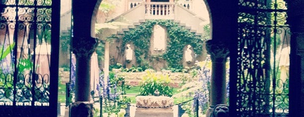 Isabella Stewart Gardner Museum is one of Boston Daters' Choice Award Winners.
