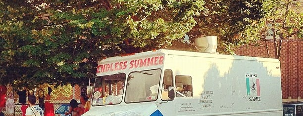 Endless Summer Taco Truck is one of Tempat yang Disukai Kristi.