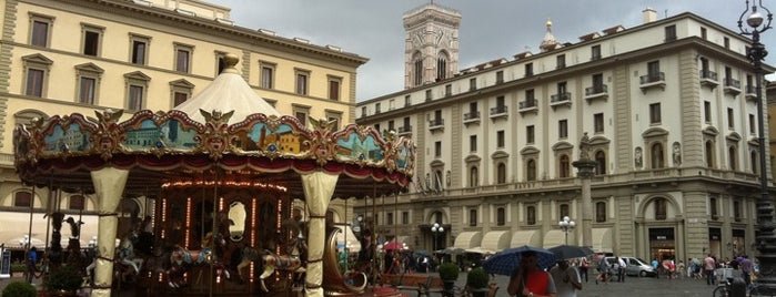 Plaza de la República is one of Florence Bars, Cafes, Food, POI.
