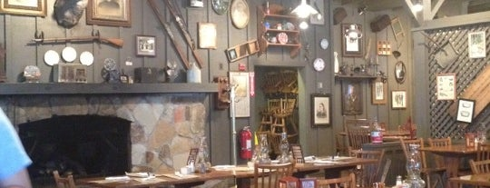 Cracker Barrel Old Country Store is one of Sebastianさんのお気に入りスポット.