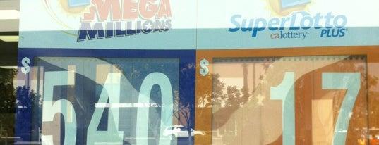 7-Eleven is one of Locais curtidos por Star.