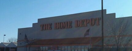 The Home Depot is one of Lugares favoritos de Rob.