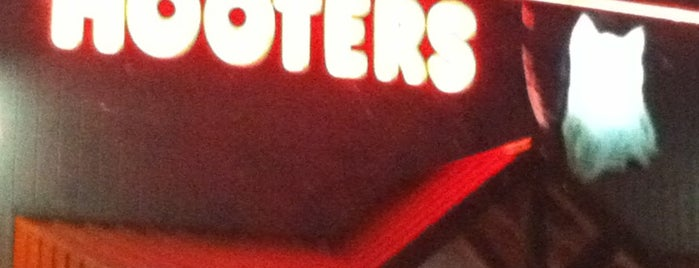 Hooters is one of Lugares  Especiais.