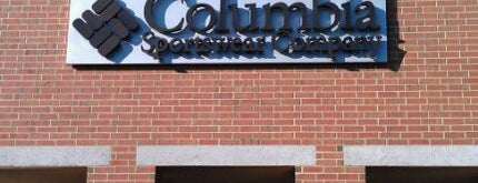Columbia Sportswear Outlet is one of Lugares favoritos de Bre.
