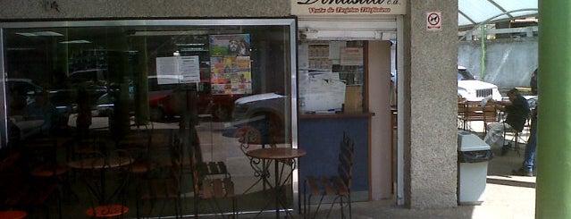 Panaderia Dinastia is one of Posti che sono piaciuti a Veronica.