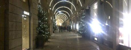 Via Della Spiga is one of Milano.